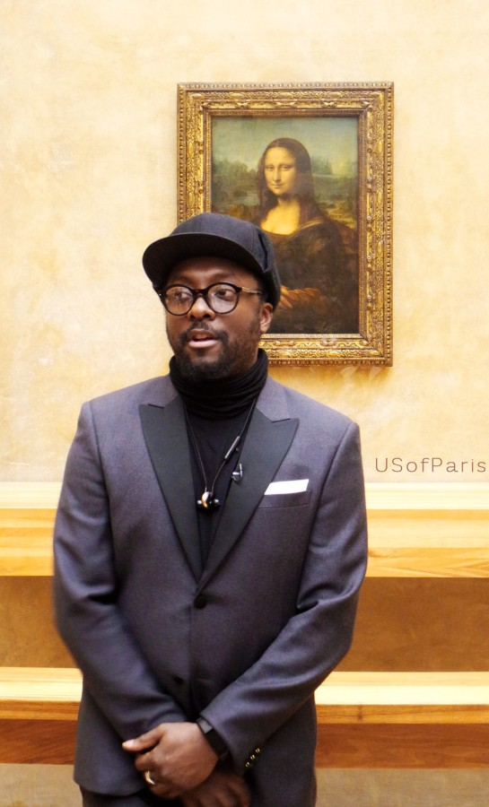 Will i am Mona lisa smile Musée du Louvre lenorado da vinci Will i am au louvre Will i am at the louvre clip documentaire Photo by blog United of Paris
