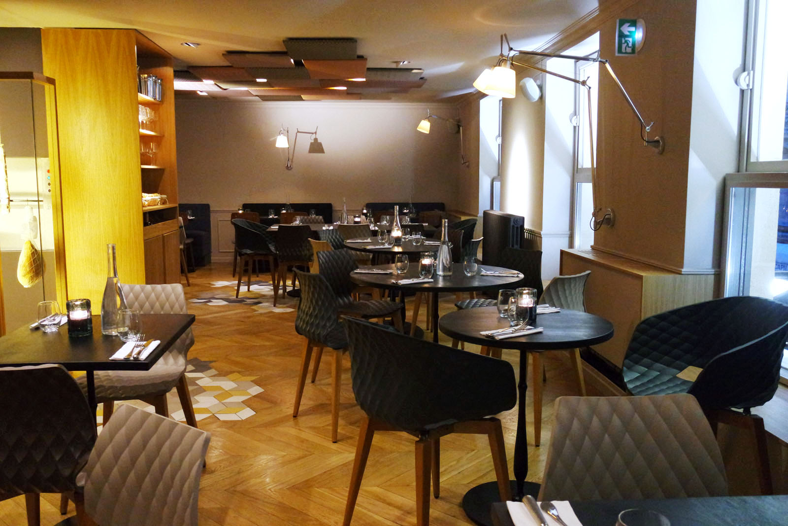 restaurant italien paris 9. Black Bedroom Furniture Sets. Home Design Ideas