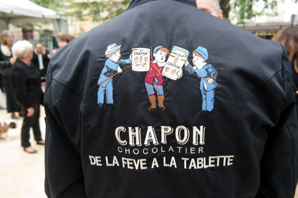 Chapon Chocolat rue du bac sucré 2016 veste de cuisine chocolatier de la fève à la tablesse photo united states of paris blog