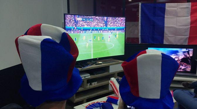 J'ai vu un match de foot sur un écran incurvé SUHD !