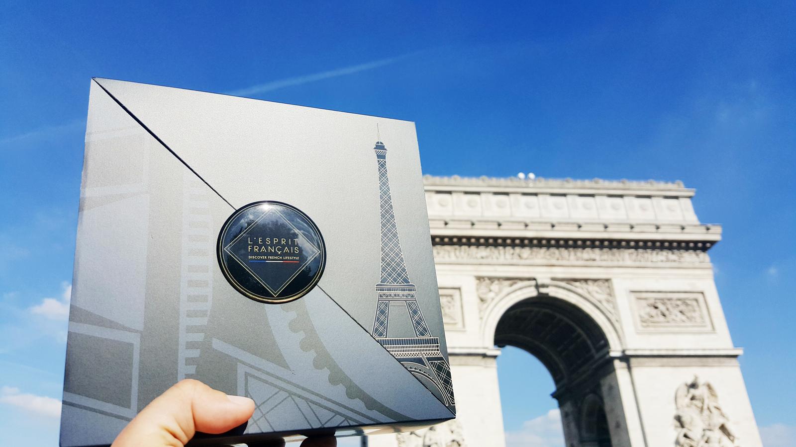 L esprit francais gift box collection Paris City Guide discover french style the best way experience the parisian lifestyle arc de triomphe photo usofparis blog