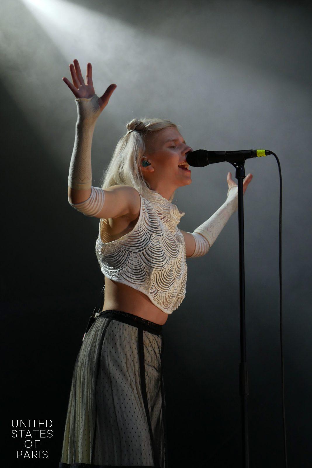 Aurora music concert Rock en Seine 2016 stage photo united states of paris blog