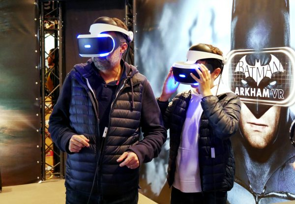 comic-con-paris-2016-expo-la-villette-sony-ps4-vr-casque-photo-by-united-states-of-paris
