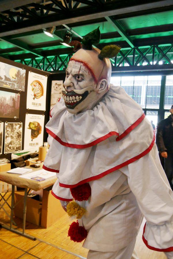 comic-con-paris-2016-expo-avis-la-villette-clown-costume-photo-by-united-states-of-paris