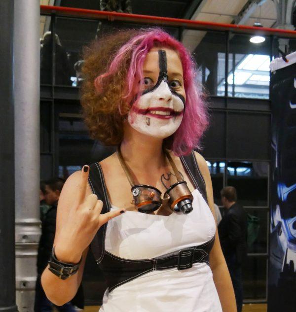 comic-con-paris-2016-expo-avis-la-villettebatman-joker-girl-maquillage-photo-by-united-states-of-paris