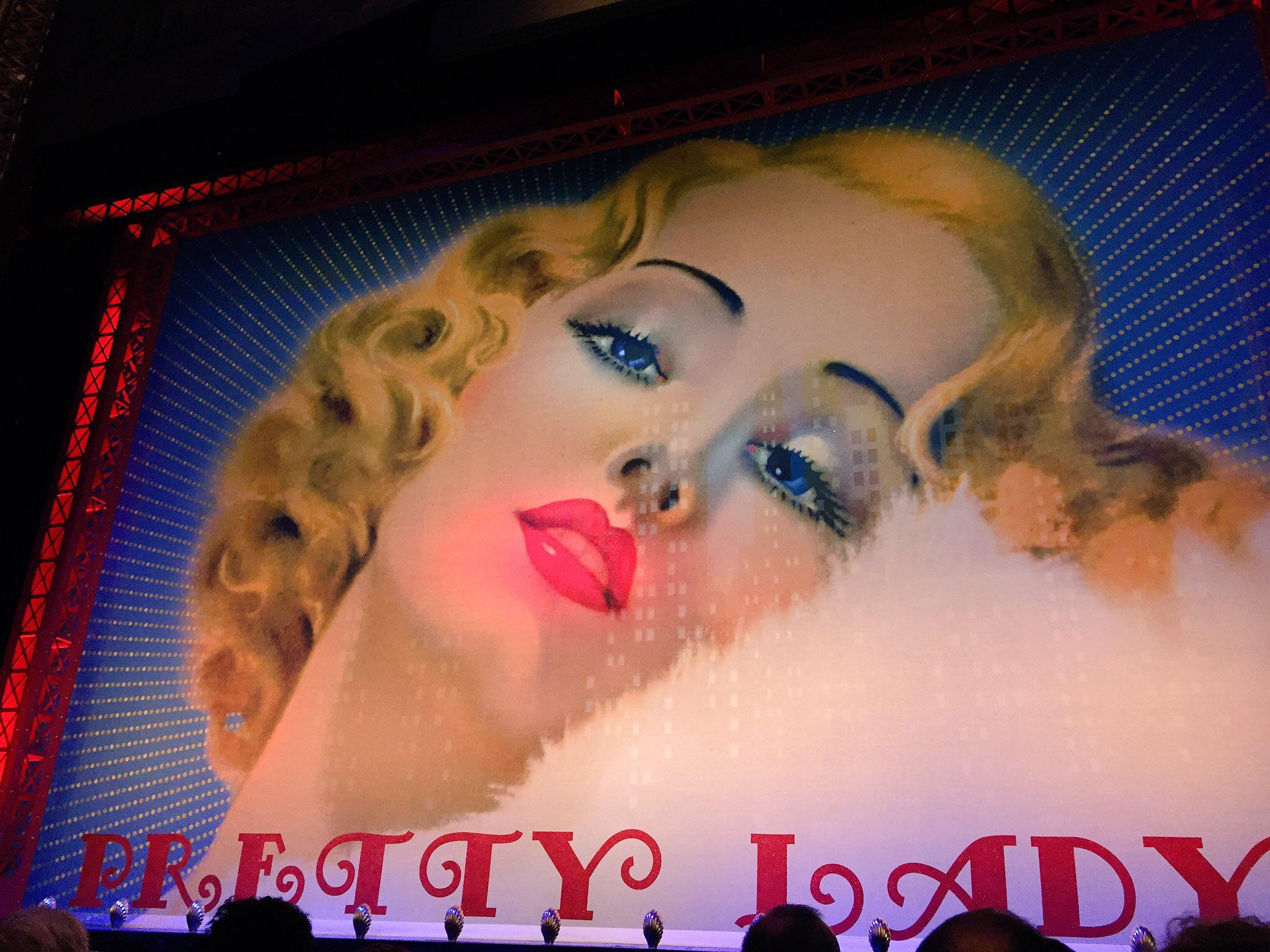 42nd-street-theatre-du-chatelet-paris-rideau-de-scene-comedie-musicale-pretty-lady-photo-usofparis-blog