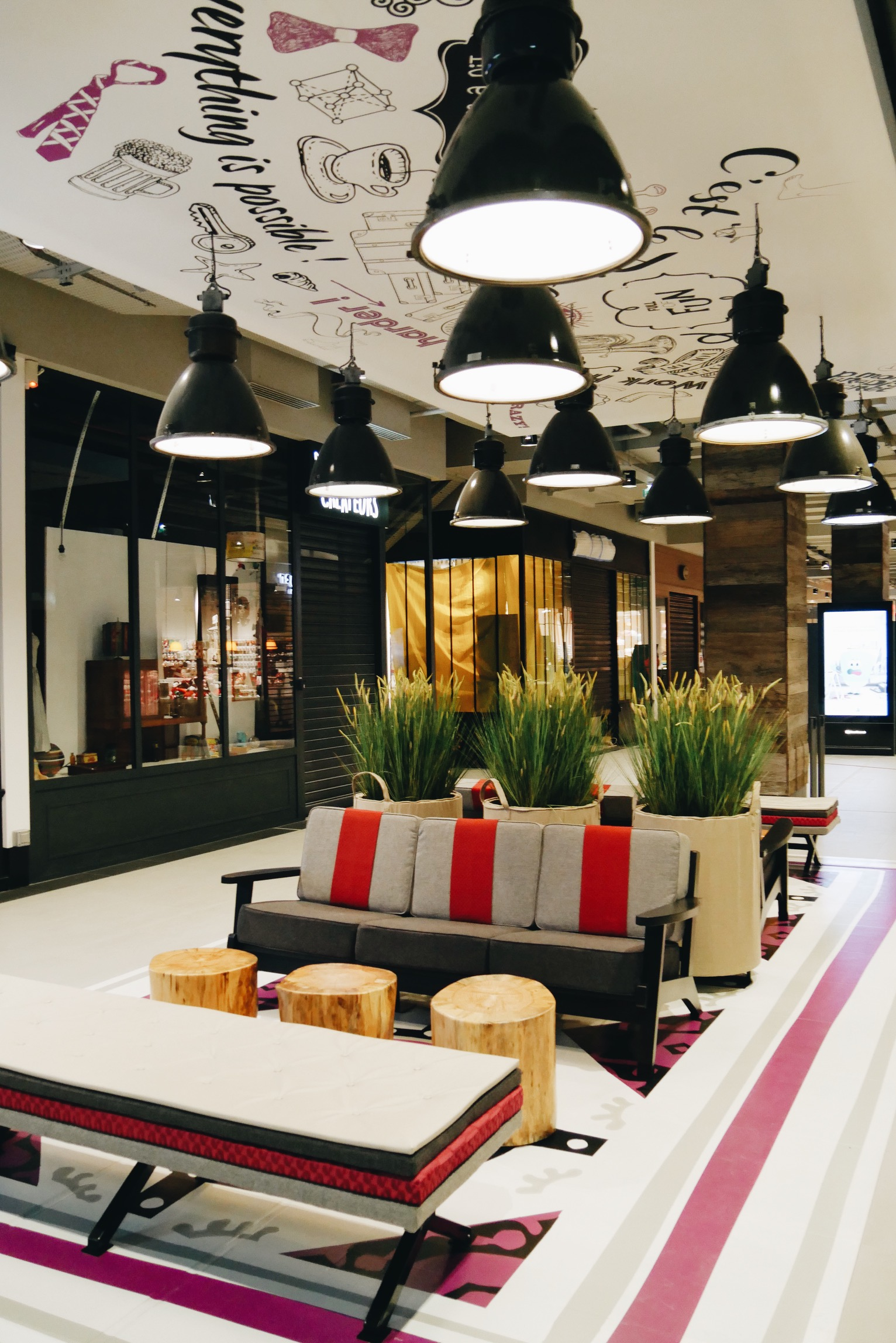 vill 39 up concept stores chute libre et design united states of paris. Black Bedroom Furniture Sets. Home Design Ideas
