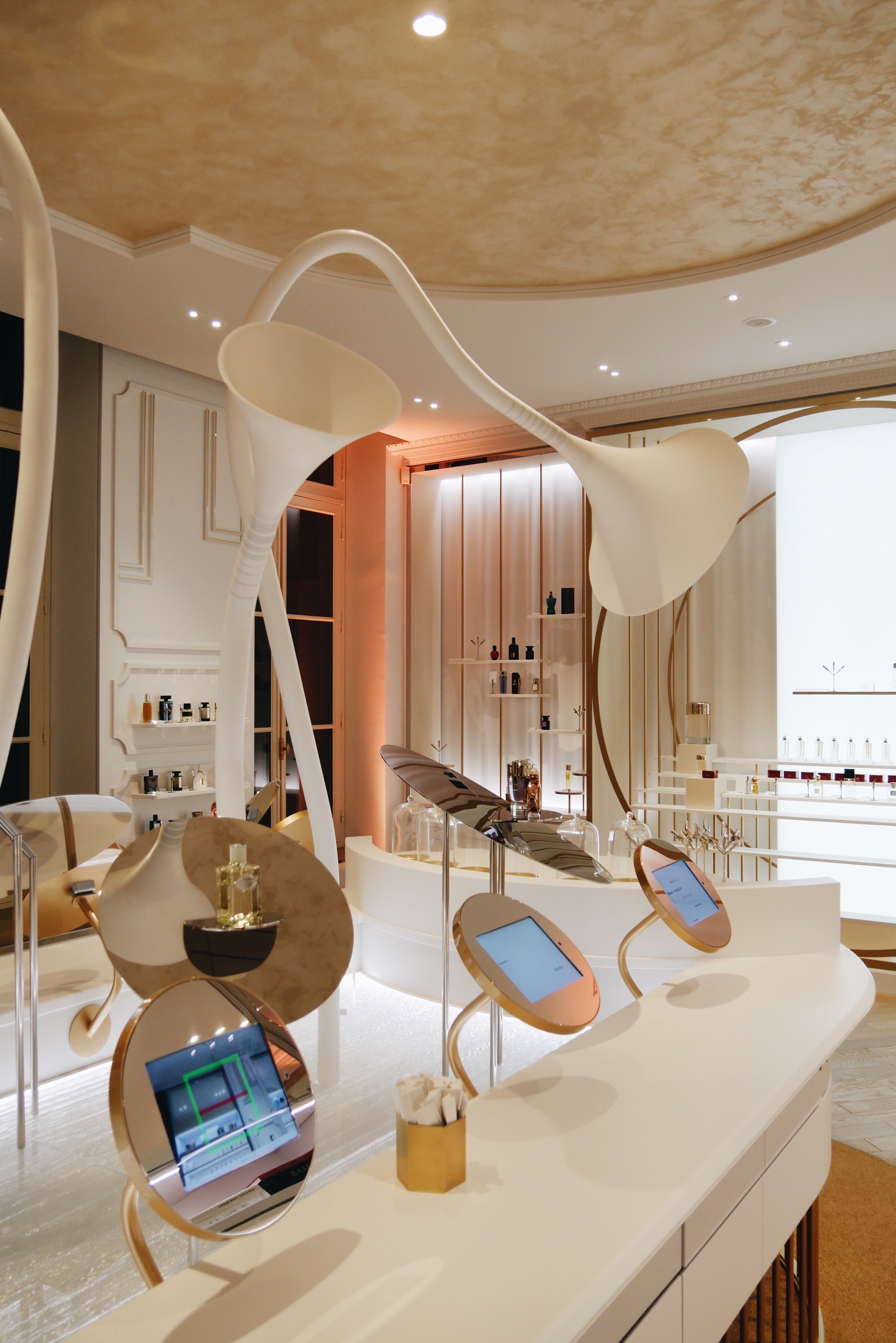 Concept store du Grand Musée du Parfum paris boutique design Agence Projectiles photo usofparis blog