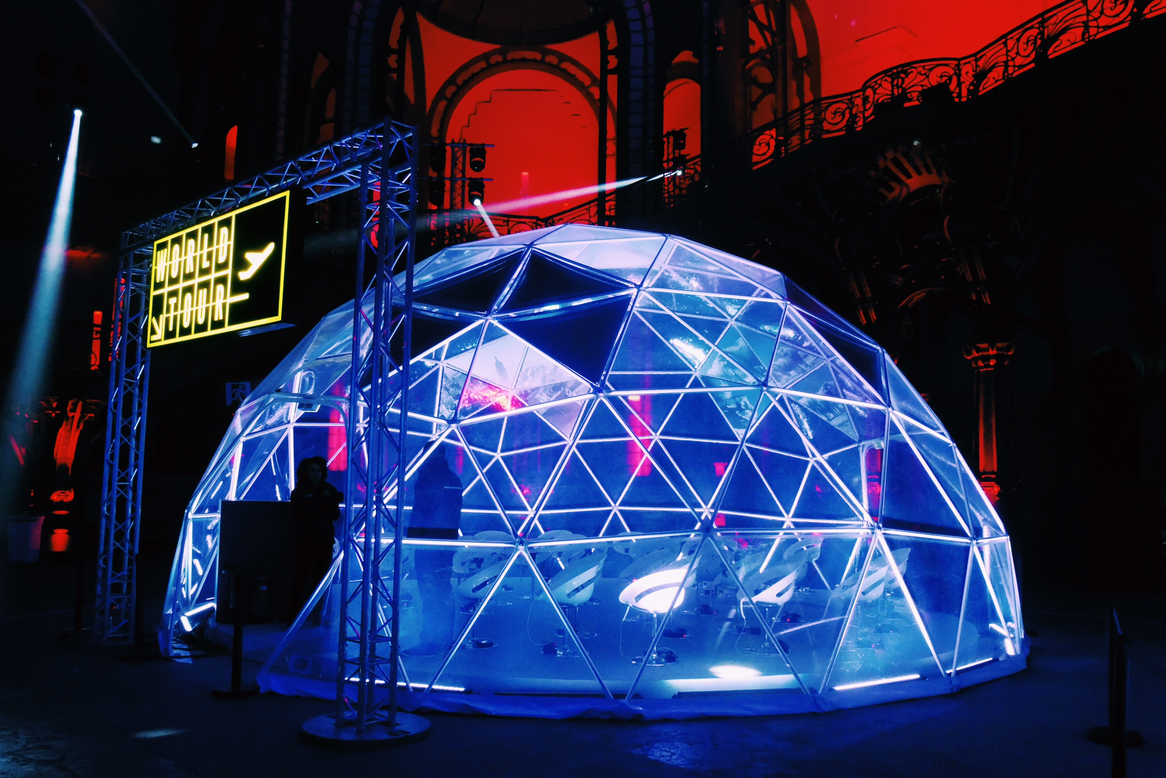 Igloo-lumineux-World-Tour-Gear-VR-Samsung-Life-Changer-Park-parc-réalité-virtuelle-Grand-Palais-des-Glaces-Paris-photos-usofparis-blog.jpg Type du fichie