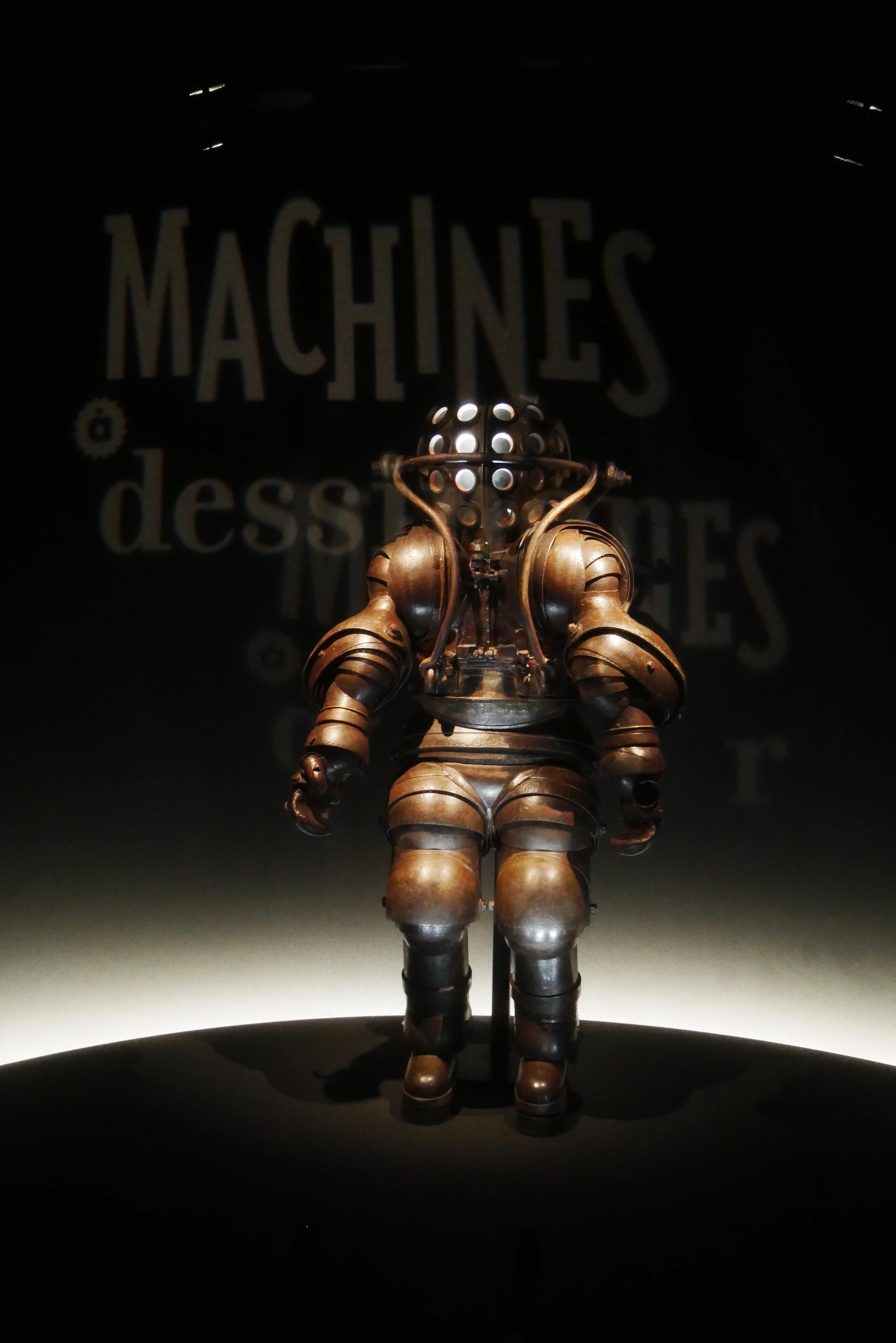 Scaphandre de grande profondeur Musée national de la Marine paris expo Machines à dessiner