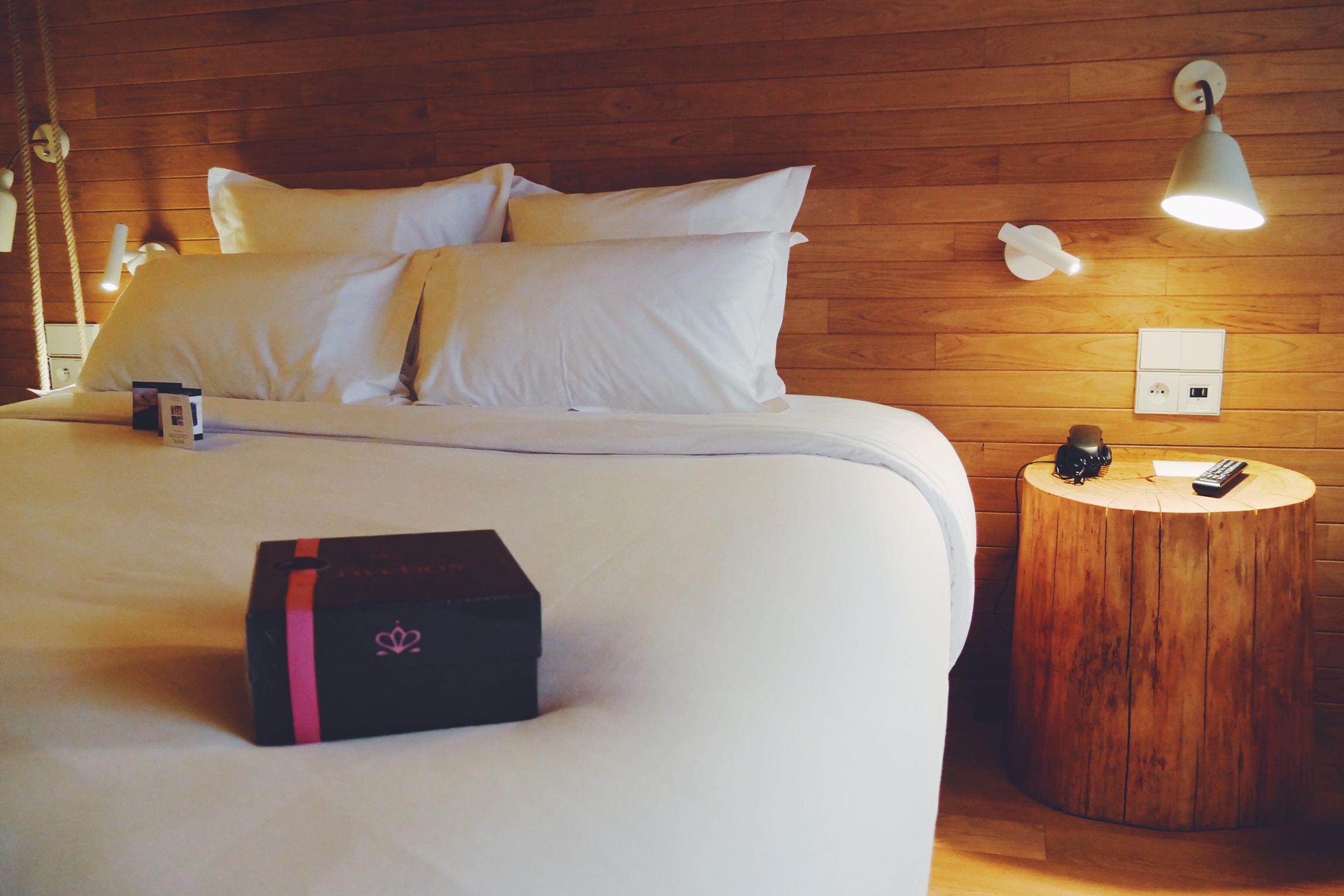 h tel d 39 exception 4 spots pour une love night originale. Black Bedroom Furniture Sets. Home Design Ideas