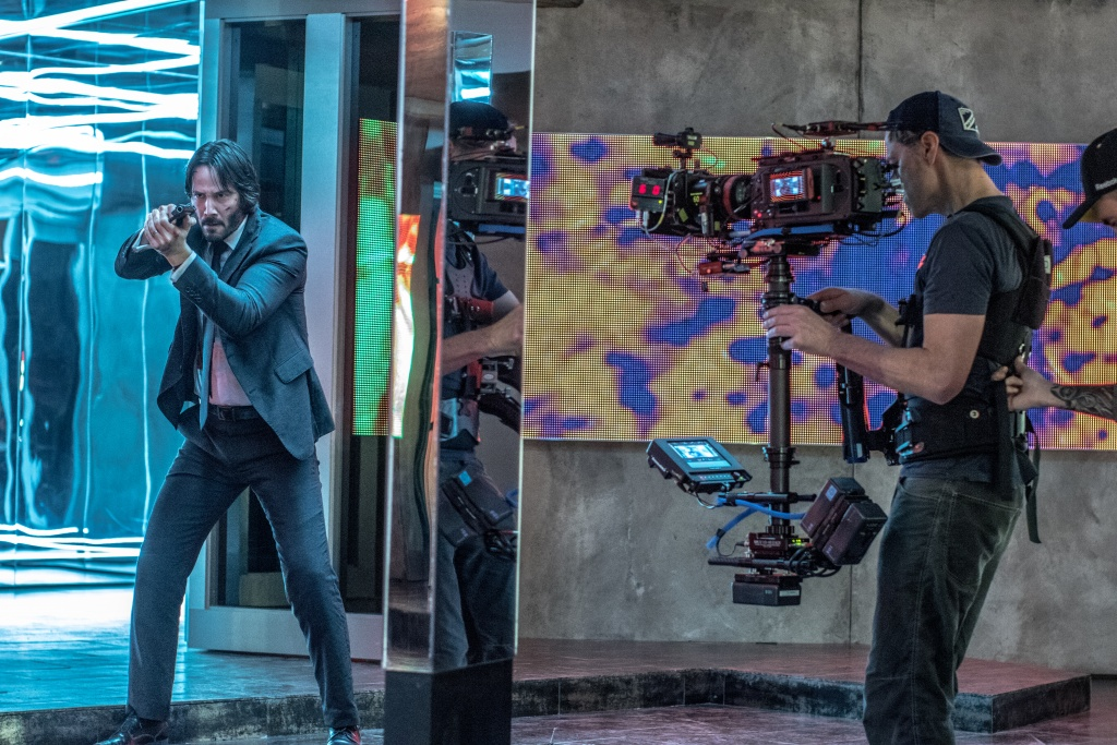 Keanu Reeves photo tournage film John Wick 2 séquence musée exposition reflection of the soul photo Niko Tavernise