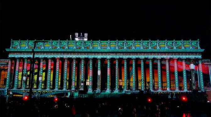 Fête des Lumières 2018 à Lyon : pigments sur cathédrale, duo rigolo & laser show