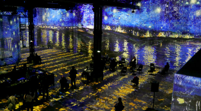 Atelier des Lumières : Van Gogh et le Japon sublimés