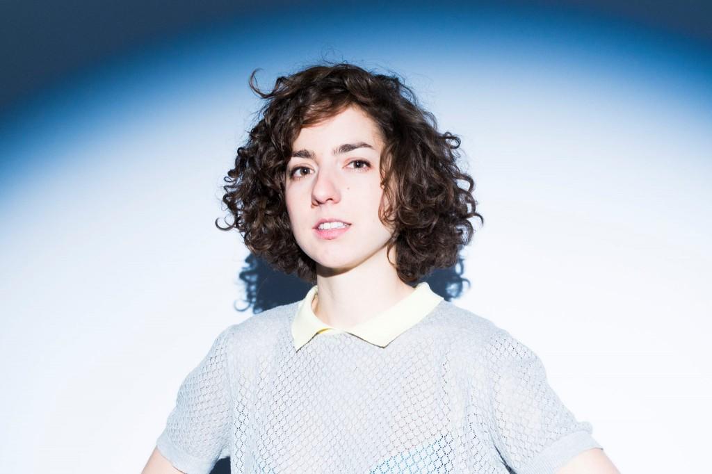 Cléa Vincent chanteuse singer EP Non mais oui french pop music musique photo de Benjamin Henon