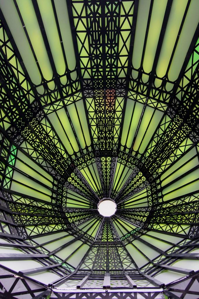Coupole-de-Ilya-Emilia-Kabakov-LEtrange-Cité-The-Strange-City-Nef-Grand-Palais-Monumenta-2014-exposition-photo-by-United-States-of-Paris-Blog