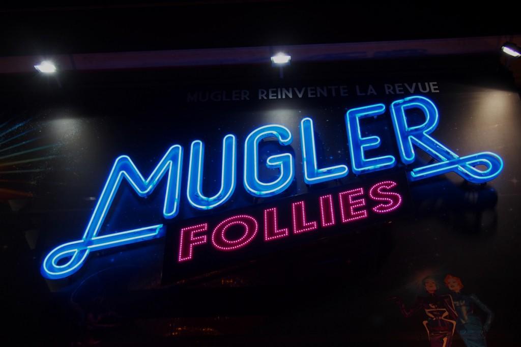 MUGLER FOLLIES 100ème centième Le Comédia dîner Spectacle Manfred Thierry Mugler cabaret live paris show girls numéro glamour affiche