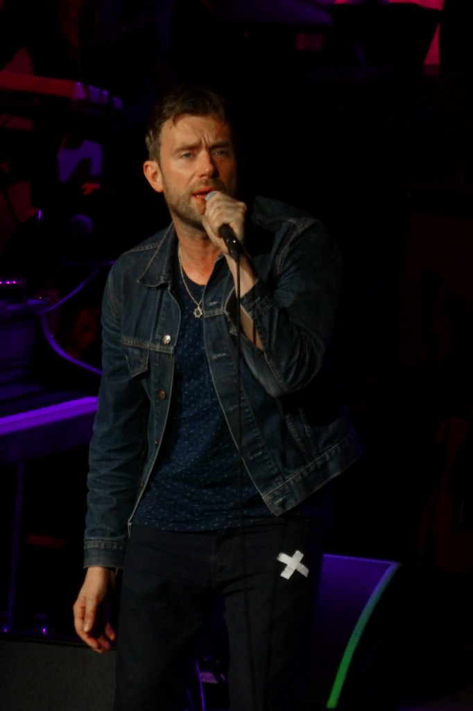 Damon Albarn singer blur live concert festival Nuits de Fourvière Lyon France Everyday Robots world tour france photo by United States of paris blog