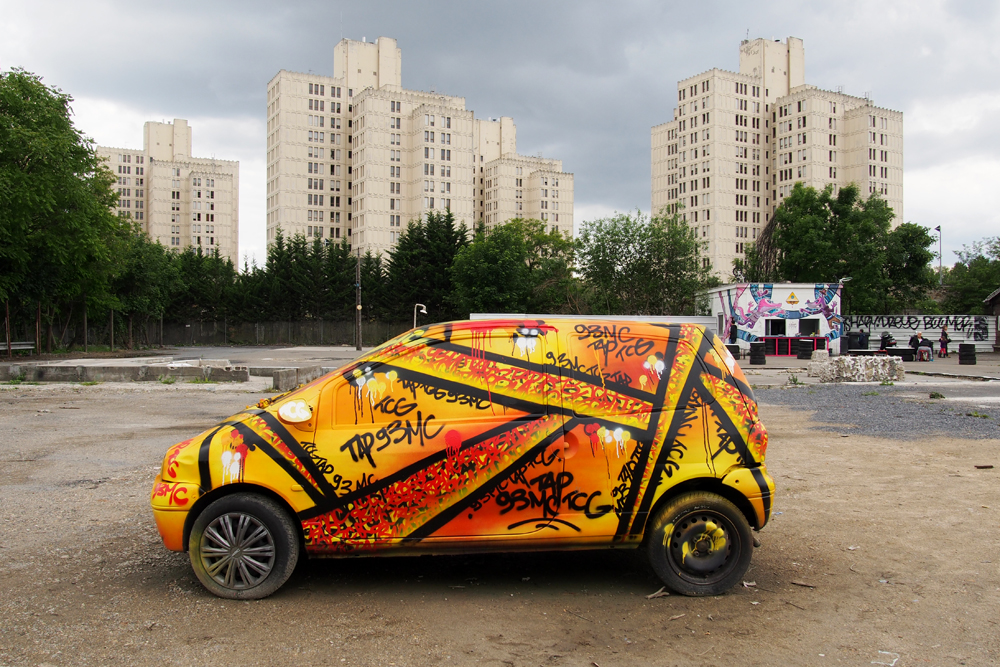Graffiti-car-by-TAP-93-MC-street-art-In-Situ-Art-Festival-Fort-dAubervilliers-photo-United-States-of-Paris-blog