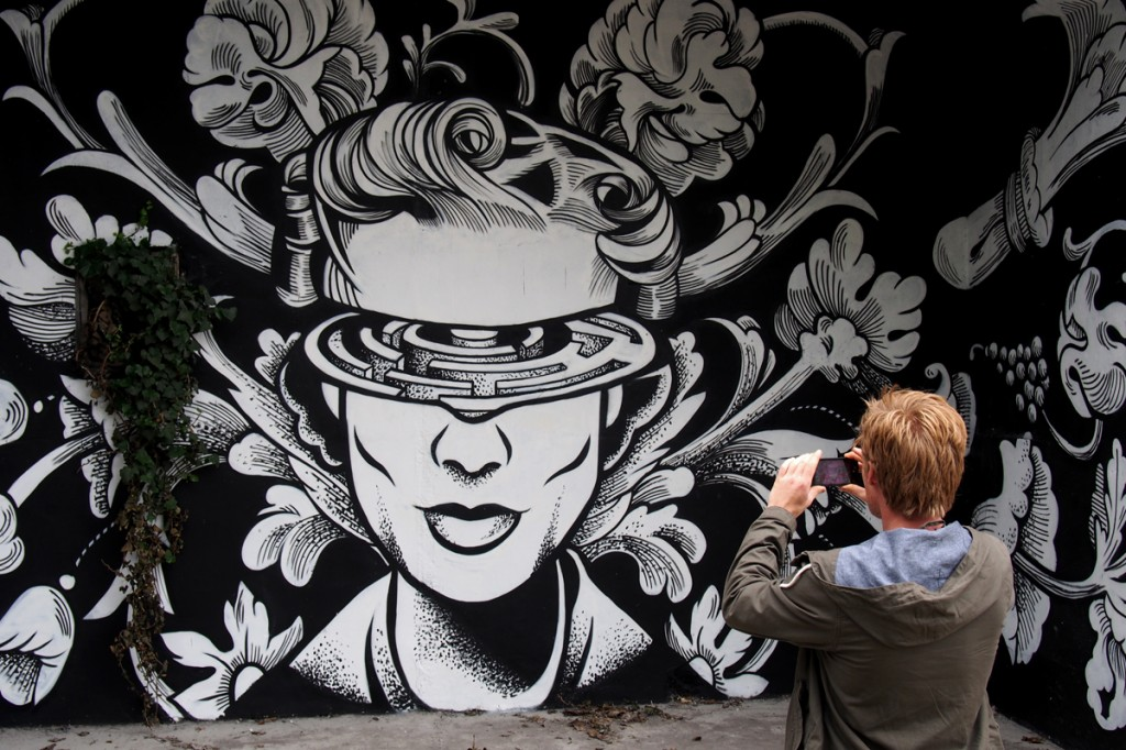 Wall-by-Sixo-street-art-graffiti-In-Situ-Art-Festival-Fort-d-Aubervilliers-photo-United-States-of-Paris-blog