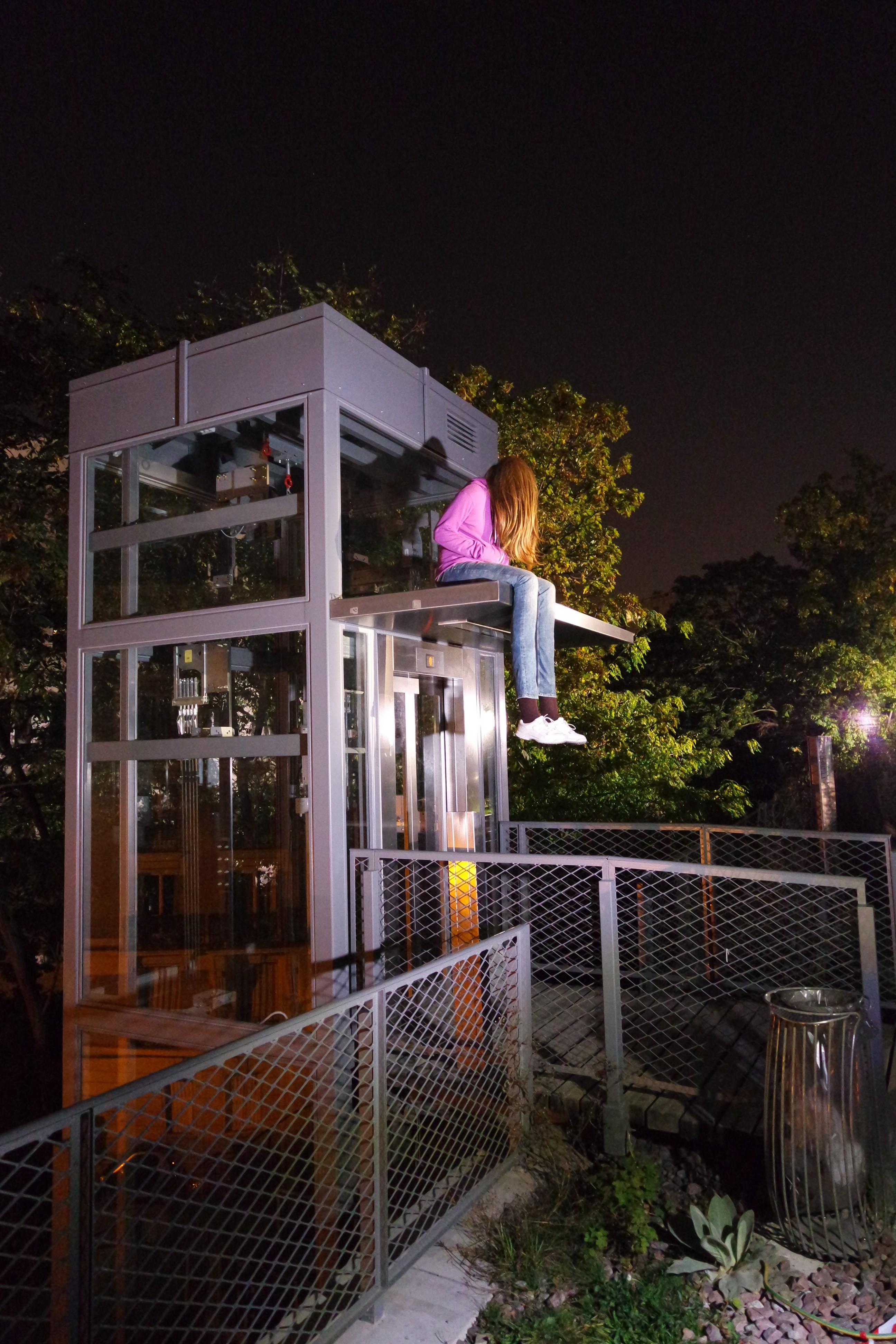 Installation-les-Vraissemblances-by-Mark-Jenkins-americain-street-art-Petite-Ceinture-15e-Nuit-Blanche-2014-Paris-blog-United-States-of-paris