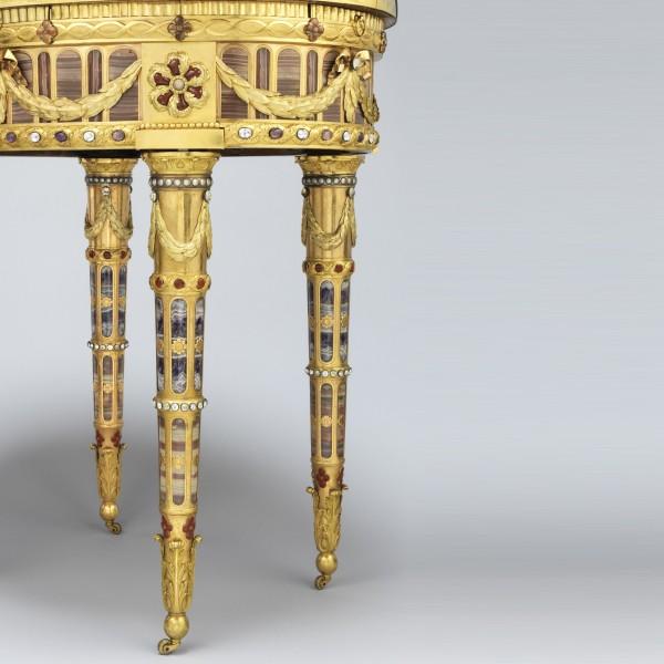 Pieds-de-la-Table-de-Teschen-de-Johann-Christian-Neuber-Tous-Mécènes-Musée-du-Louvre-Paris-photo-de-Philippe-Fuzeau