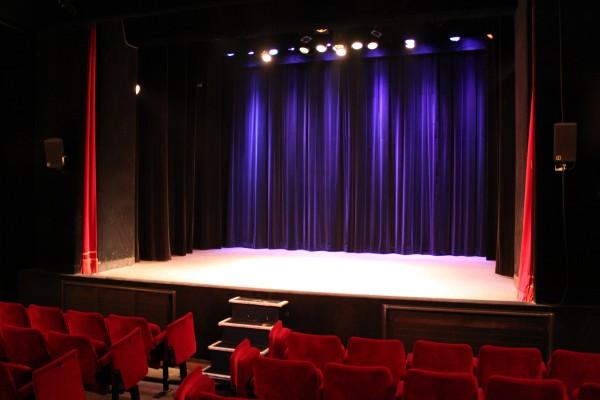 Otheatro theatre en illimité spectacle live liberté one man show danse humour comédie paris site web paris scène
