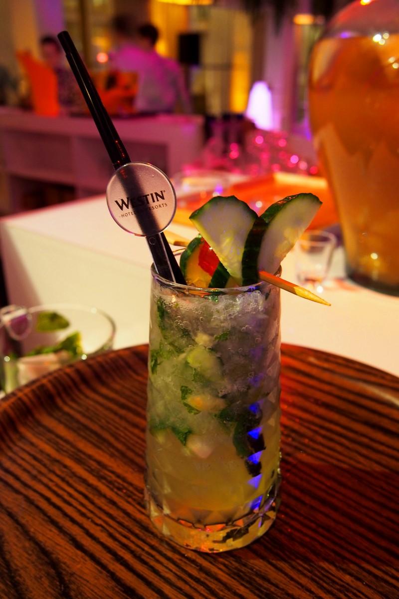 Cocktail-The-Westin-Paris-Vendome-Hotel-Resorts-rue-Castiglione-terrasse-dhiver-bar-patio-photo-by-United-States-of-paris-Blog