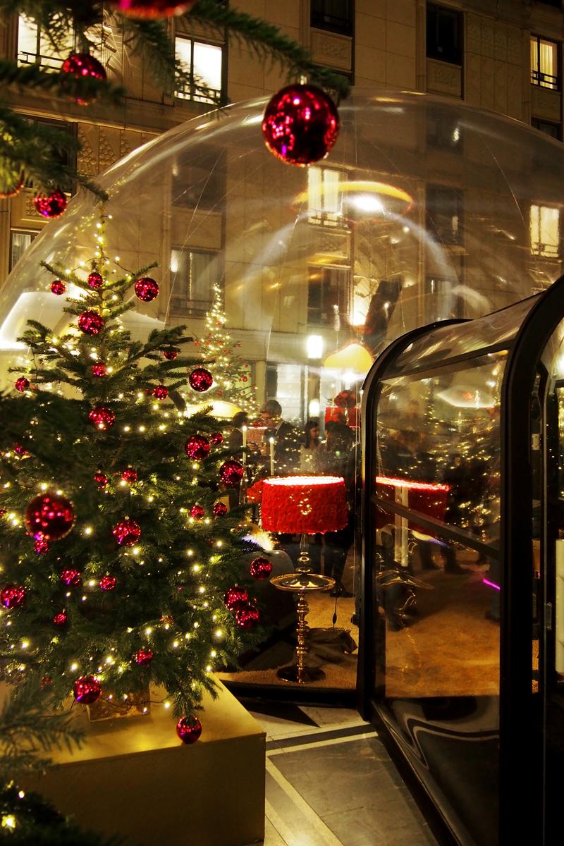 Entrée-de-la-Bulle-de-l-hotel-du-collectionneur-Arc-de-Triomphe-Paris-5-étoiles-patio-andalou-terrasse-d-hiver-photo-by-United-States-of-Paris-Blog