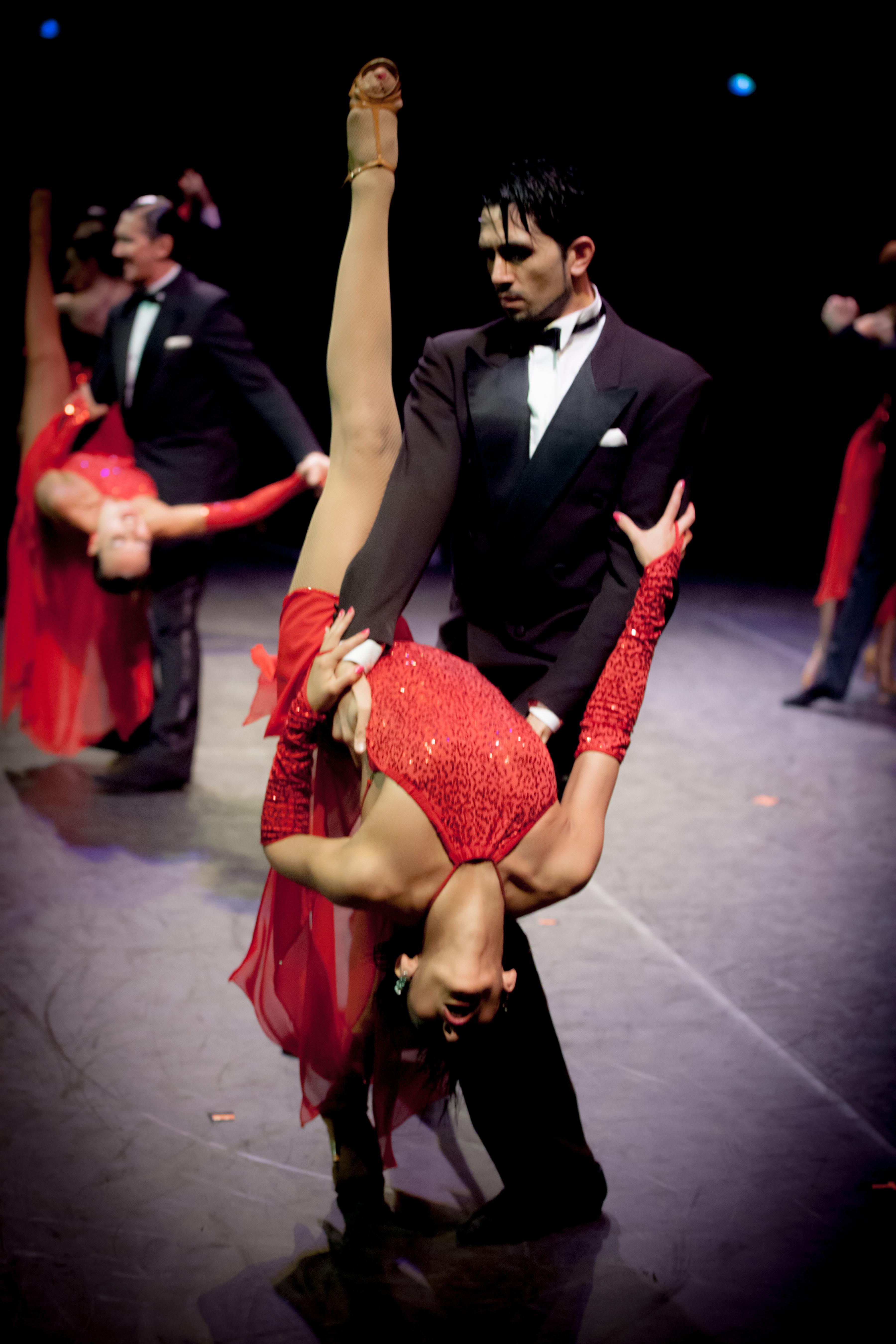 Show Sinfonia de Tango Pasion spectacle danse dance Astor Piazzolla Paris Bobino et tournée France