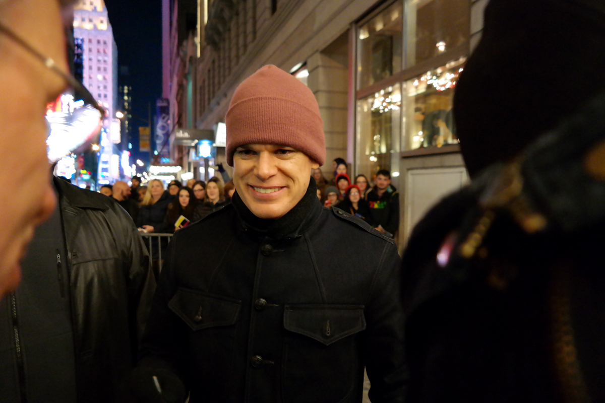 Michael C Hall american actor Dexter Six feet under Broadway street meeting with fans after Hedwig and the angry inch musical new york city photo by United States of Paris blog