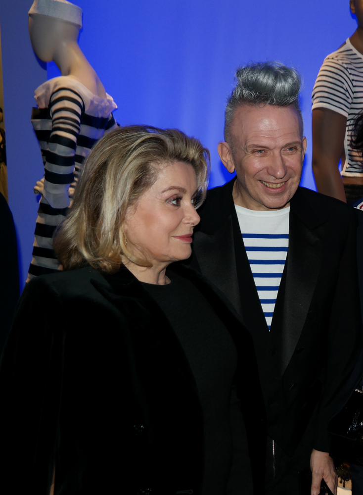Catherine-Deneuve-actrice-muse-Jean-Paul-Gaultier-vernissage-exposition-Grand-palais-Paris-VIP-fashion-couture-photo-by-United-States-of-Paris-blog
