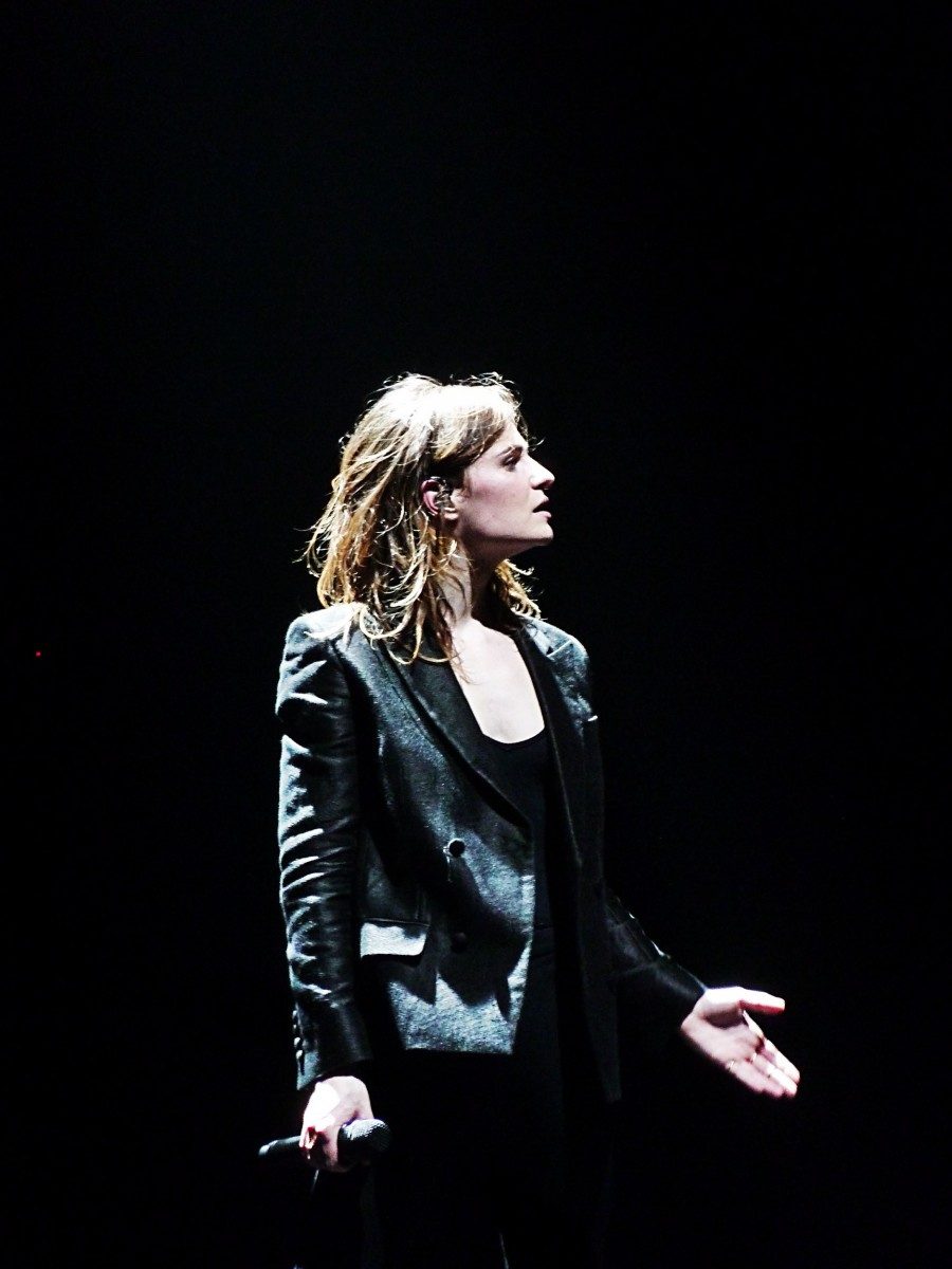 Christine and the queens concert Olympia Paris 2015 tournée chaleur humaine Zenith festival saint claude photo de scène by United States of Paris blog