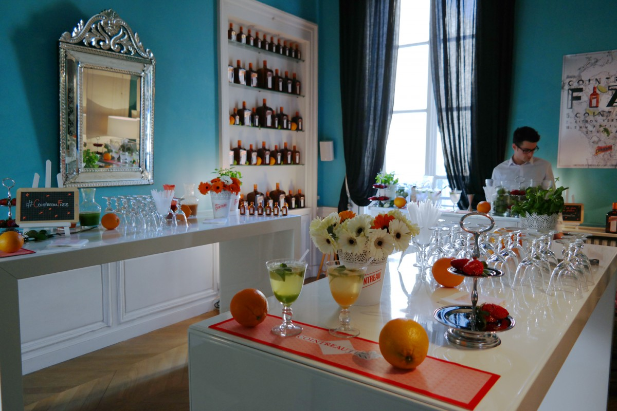 Cointreau Fizz privé soirée entre amis paris Jennifer Taïeb cocktail barman diner appartement