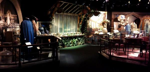 Harry Potter expo exposition paris cité du cinéma scénographie classe costume avis critique Photo by United States of Paris