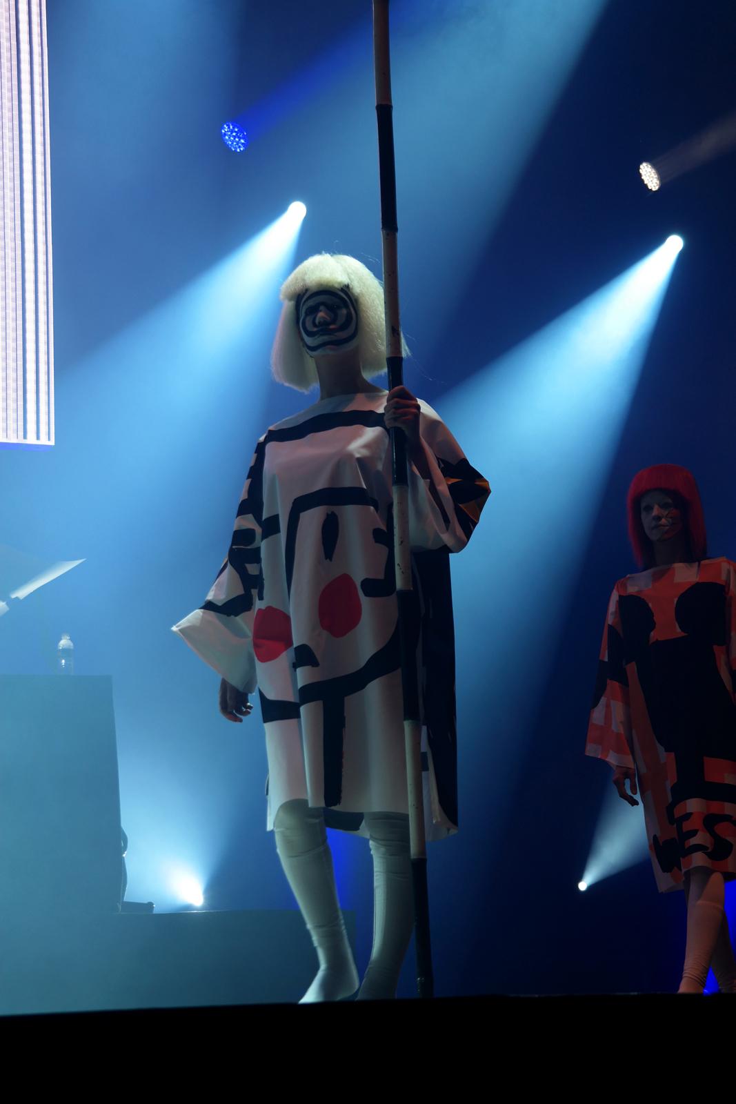 Jean Charles de Castelbajac scène sepctacle Fantomes création mode et musique mannequin art rock 2015 festival saint brieuc photo by United States of Paris blog