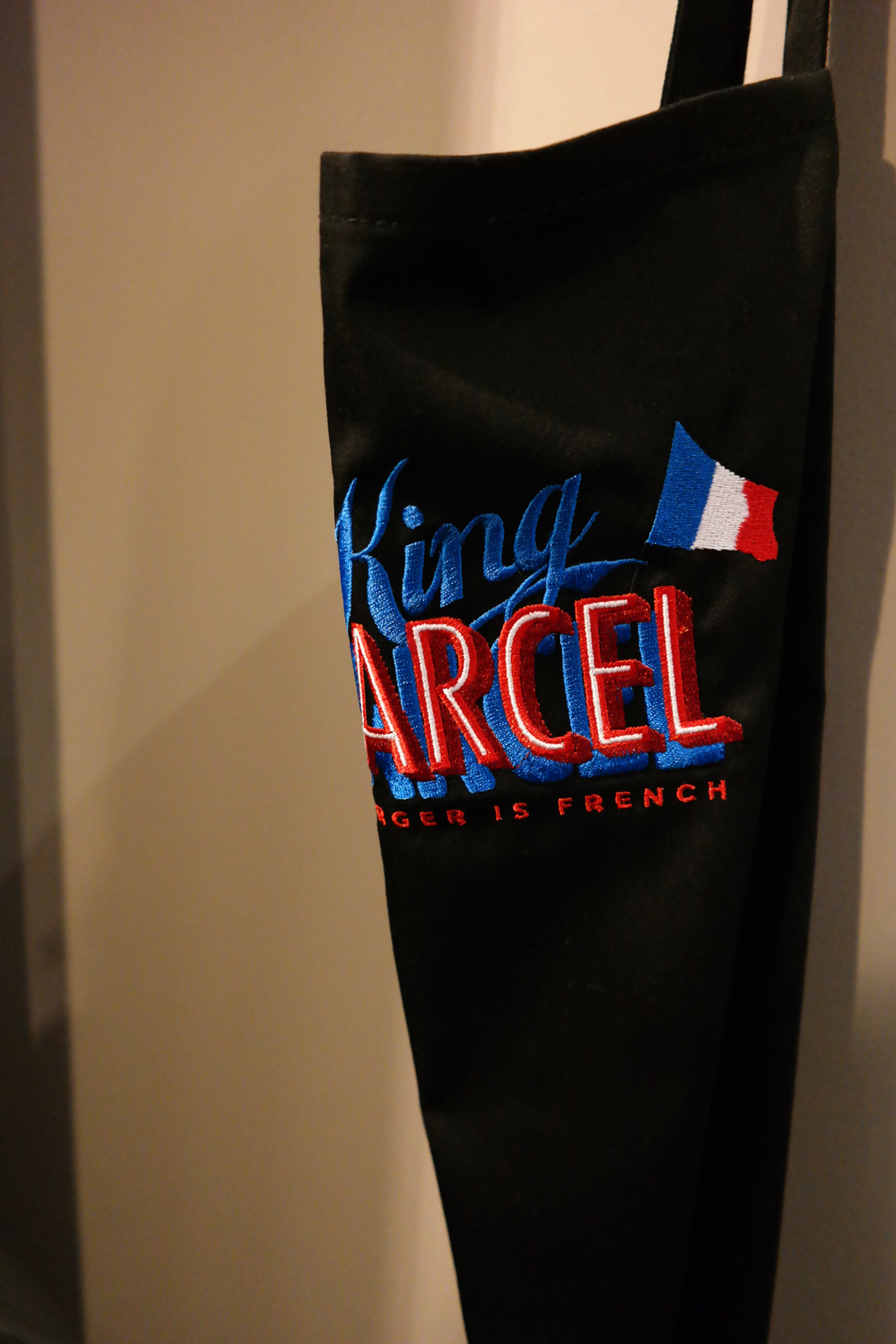 King-Marcel-tablier-chef-restaurant-Grands-Boulevards-Paris-166-Rue-Montmatre-2e-my-burger-is-french-nouveau-Lyon-rue-mercière-part-dieu-photo-blog-united-states-of-paris-blog