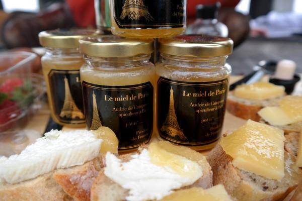 Miel de Paris Audric de Campeau Green Tomato Cars honey abeilles ruche gastronomie bio diversité goût Photo by Blog United States of Paris