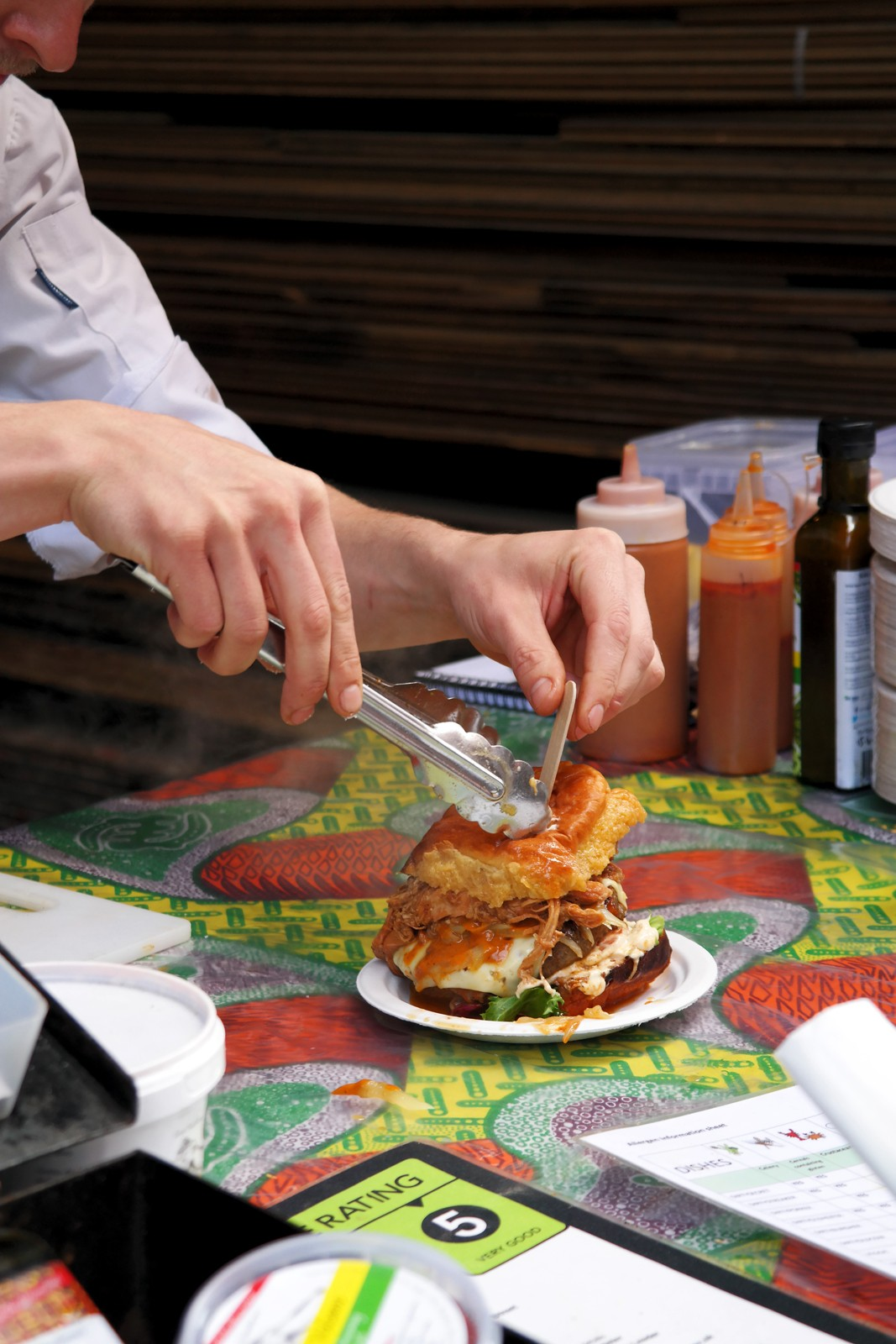 African Volcano burger recipe beef tomato ketchup emmenthaler cheese peri peri sauce Maltby Street Market Ropewalk London Bermondsey marché gourmand Londres by usofparis blog