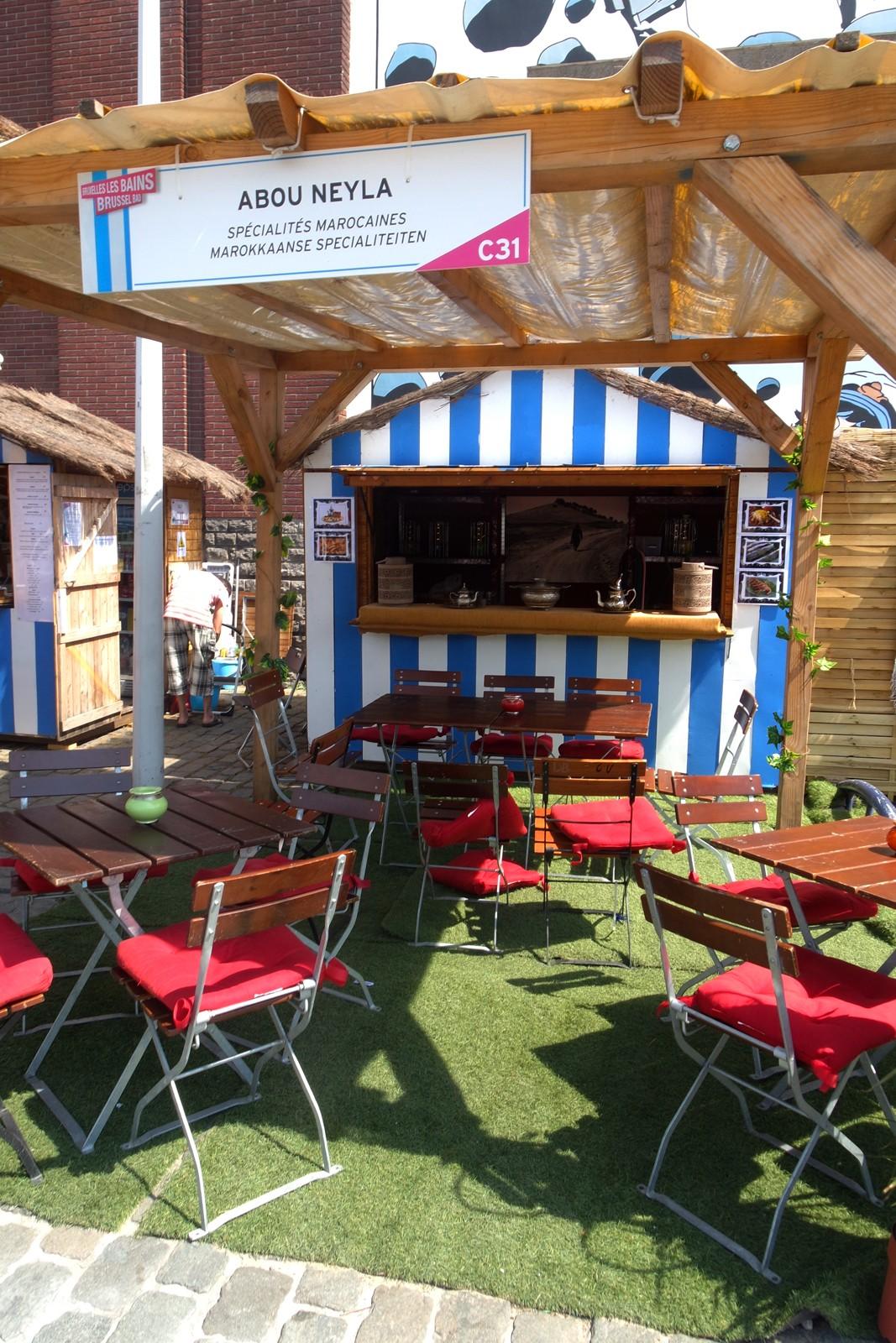 Bruxelles les bains - Brussel Bad cabane spécialités marocaines abou neyla street food quai des péniches plage en ville photo by usofparis