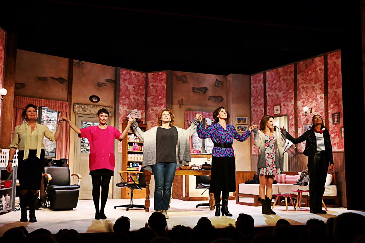 Coiffure et confidences comédie Théâtre Michel Paris salut Marie Hélène Lentin Léa François Elisabeth Vitali Sandrine Le Berre Isabelle Tanakil Brigitte Faure photo by usofparis blog