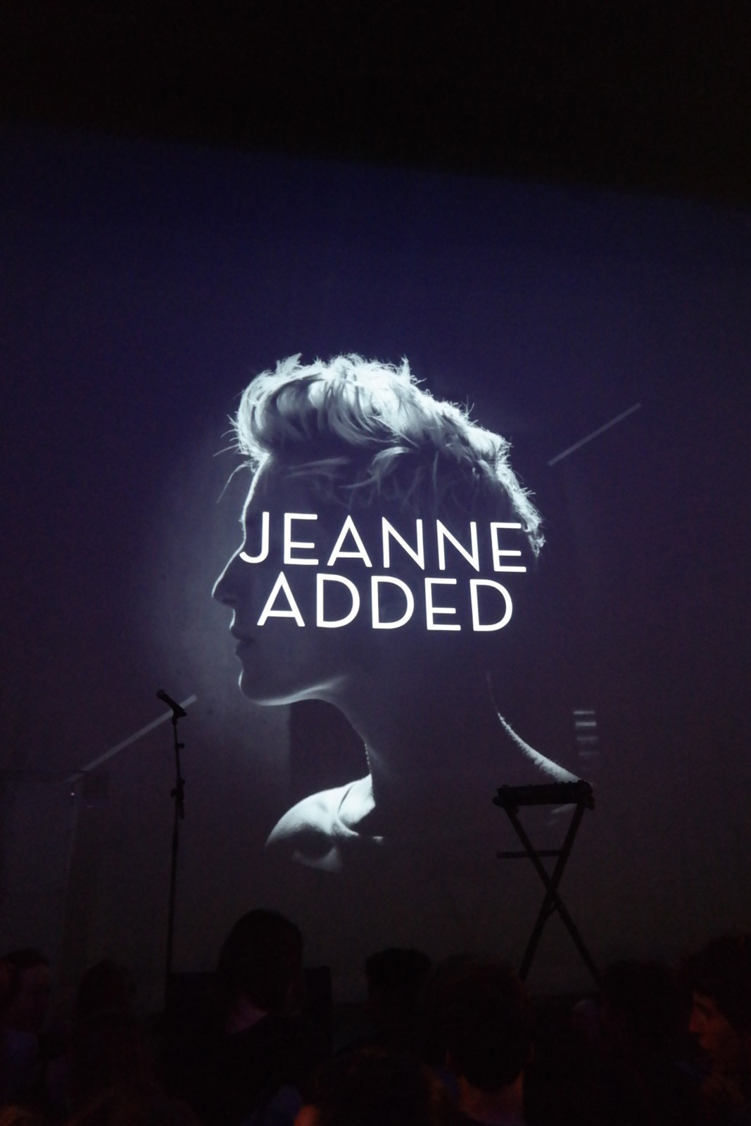 Jeanne-Added-Prix-Deezer-Adami-Pros-2015-alum-be-sensational-A-War-is-Coming-Naive-Records-concert-musique-chanteuse-photo-by-united-states-of-paris-blog