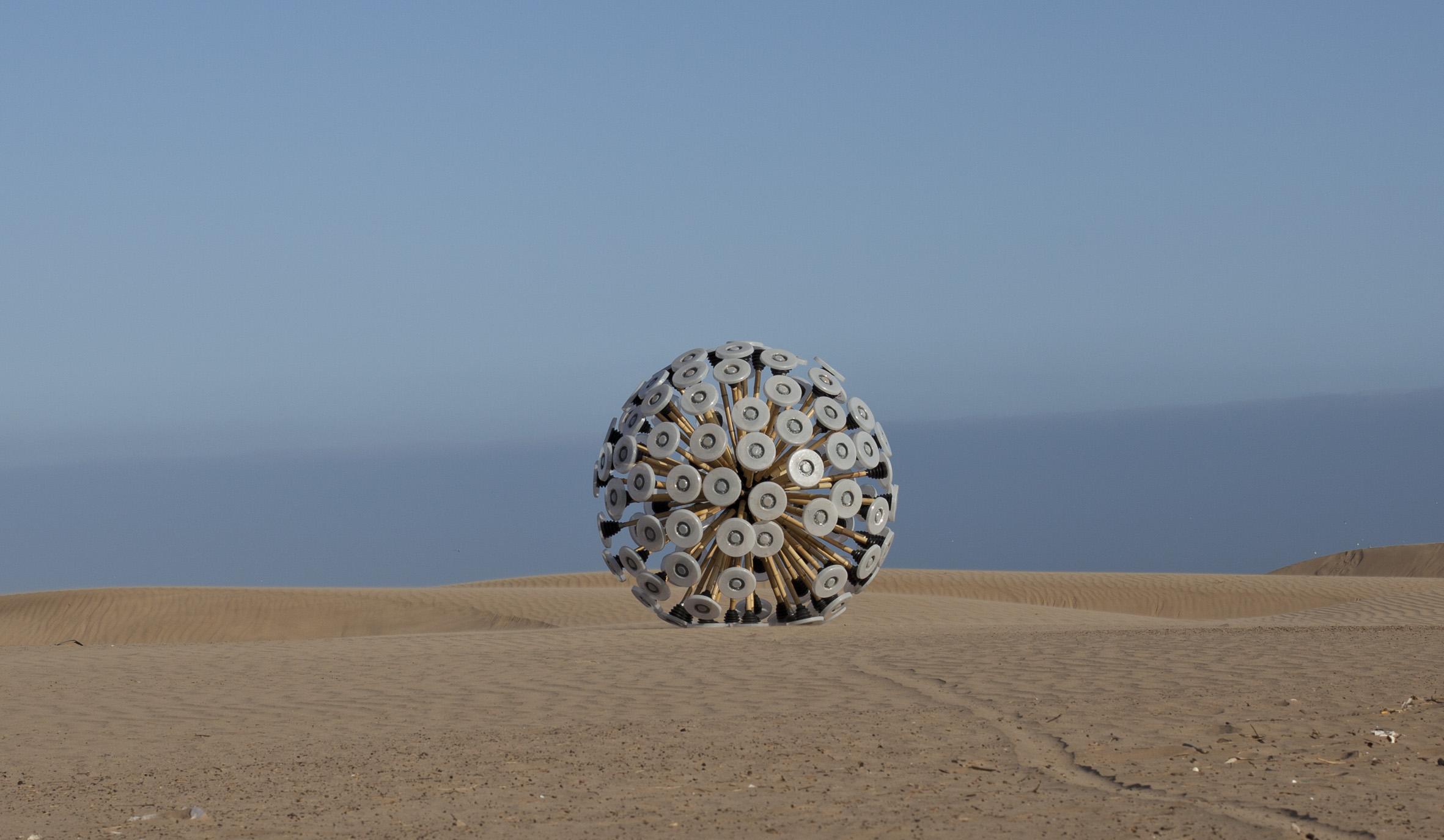 Mine_Kafon by Massoud Hassani Design Academy Eindhoven exposition Invention Design Regards croisés au Musée des Arts et métiers le cnam paris expo des Sismo designers