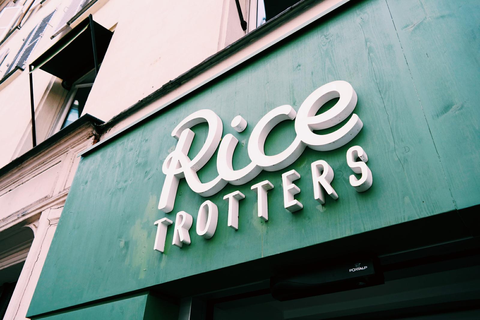 Façade-Rice-Trotters-restaurant-concept-spécialité-riz-plats-et-desserts-petit-déjeuner-goûter-adresse-22-rue-du-Colisée-8e-photo-by-united-states-of-paris-blog