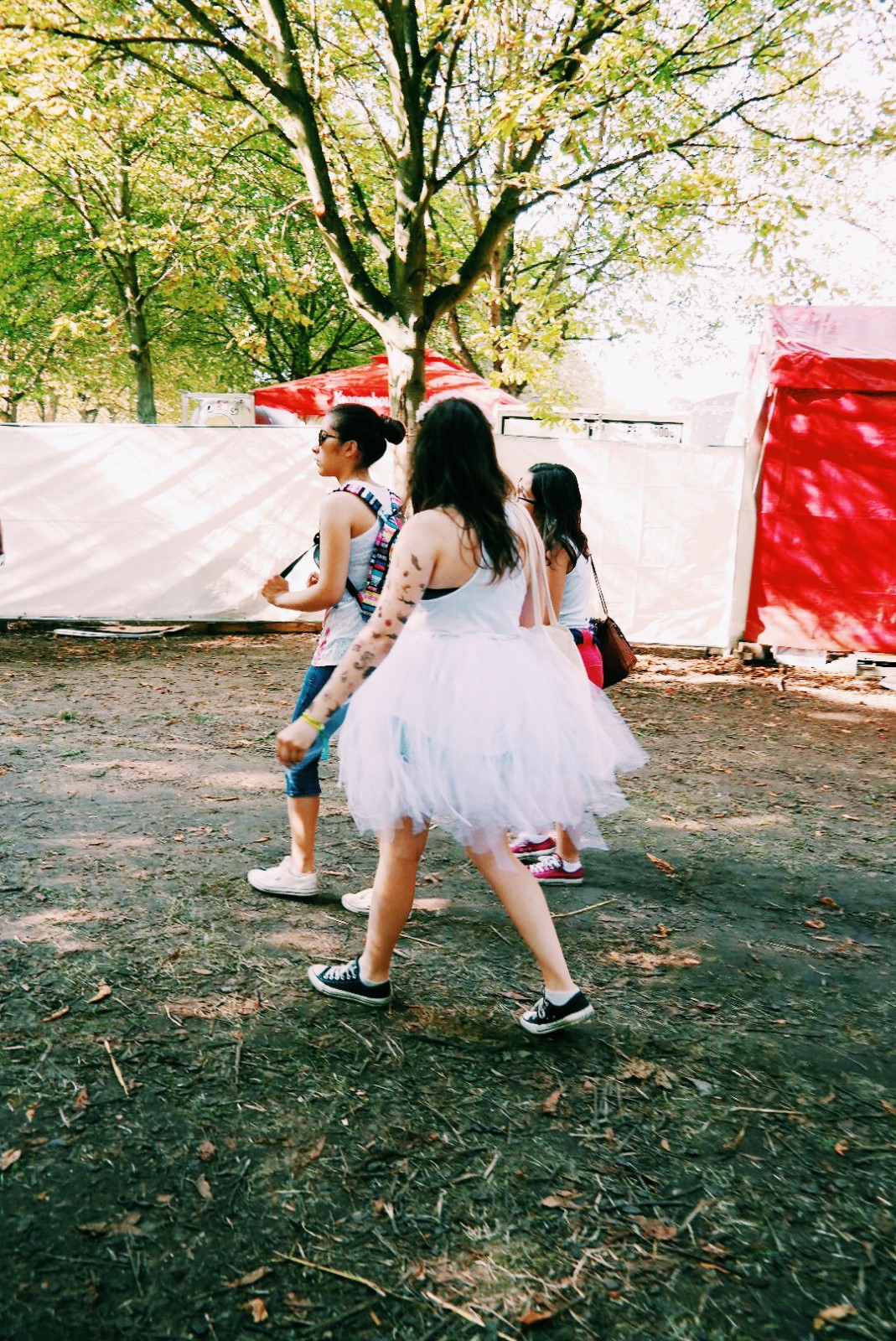 Festivalière-en-tutu-festival-Rock-en-Seine-2015-womenswear-fashion-photo-by-united-states-of-paris-blog