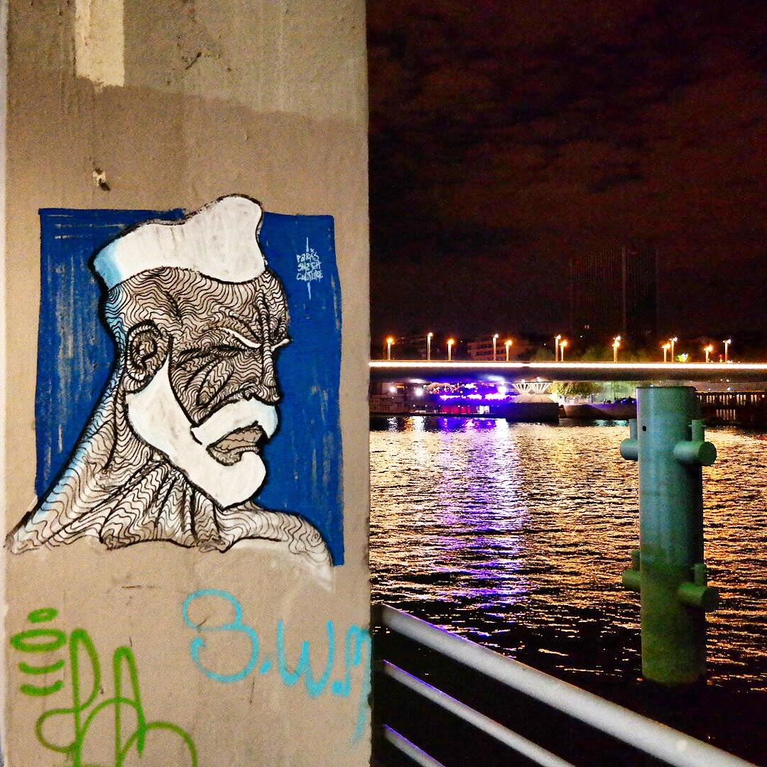 French sailor - marin français by Paris Sketch Culture Raphael Federici Cité de la Mode et du Design graffiti street art wall photo de nuit by United States of Paris blog
