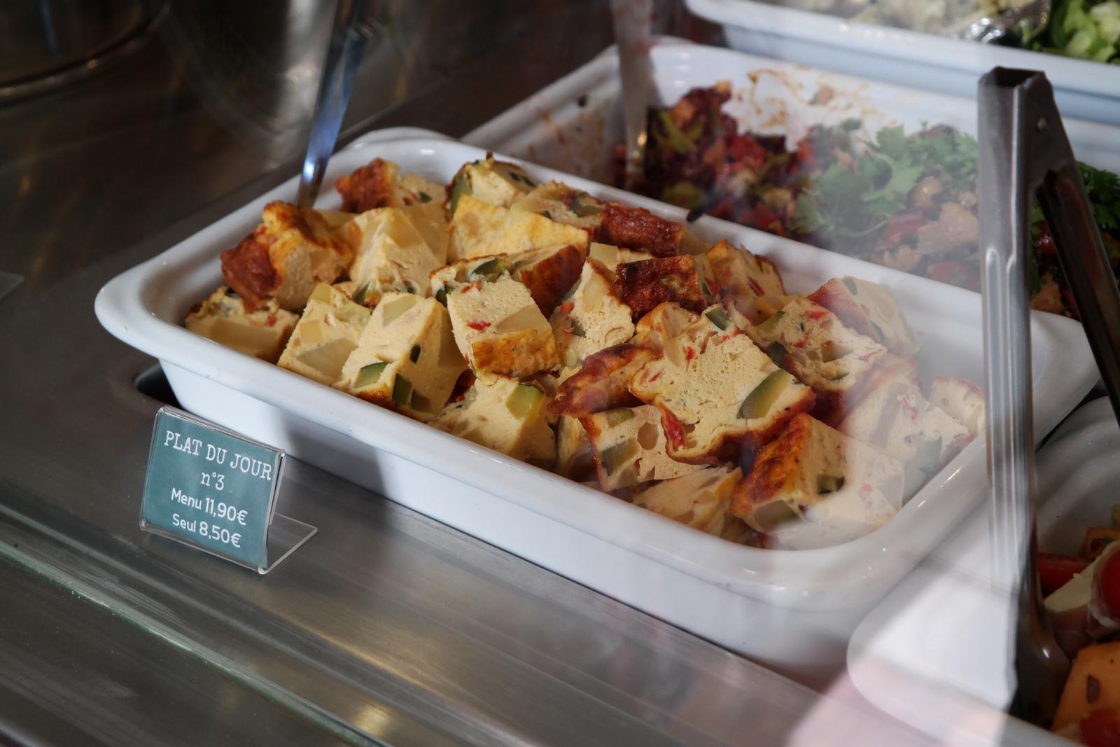 Rice Trotters plat du jour végétarien tortilla à l espagnole courgettes, poivrons pommes de terre et riz noir vénéré recette restaurant photo by united states of paris blog