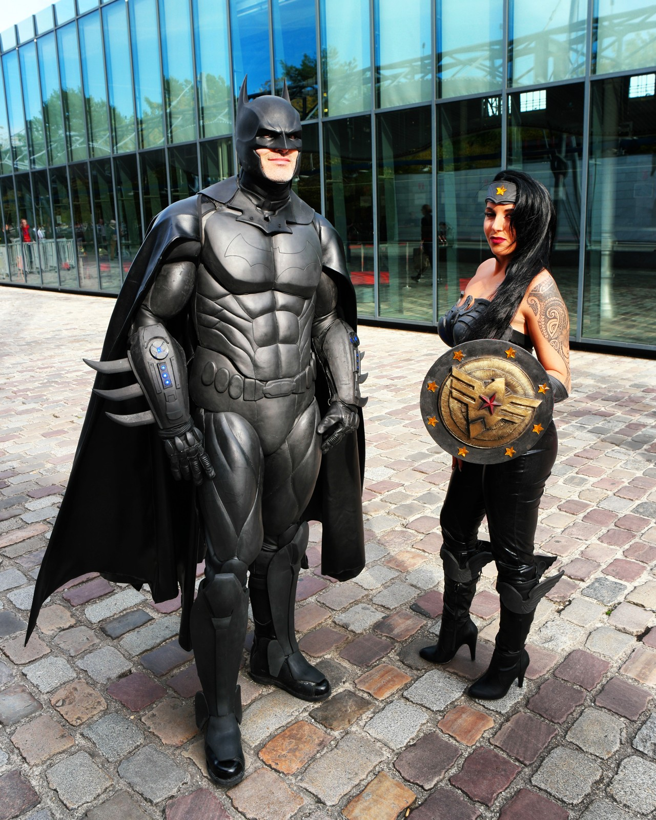 Batman super classe et une lady Comic Con Paris cosplay festival 2015 Grande Halle de la Villette photo united states of paris blog