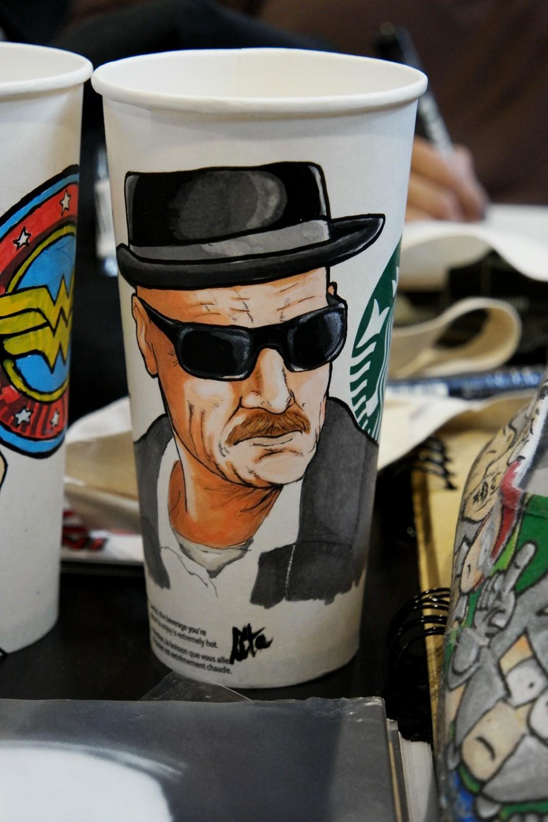 Cup customisée par l'artiste Junkie Brewster