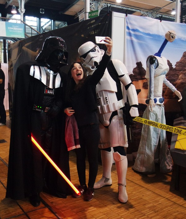 Comic Con Paris selfie 501 St Légion France Dark vador Darth vador star wars starwars Grande Halle de la villette Photo by United States of Paris